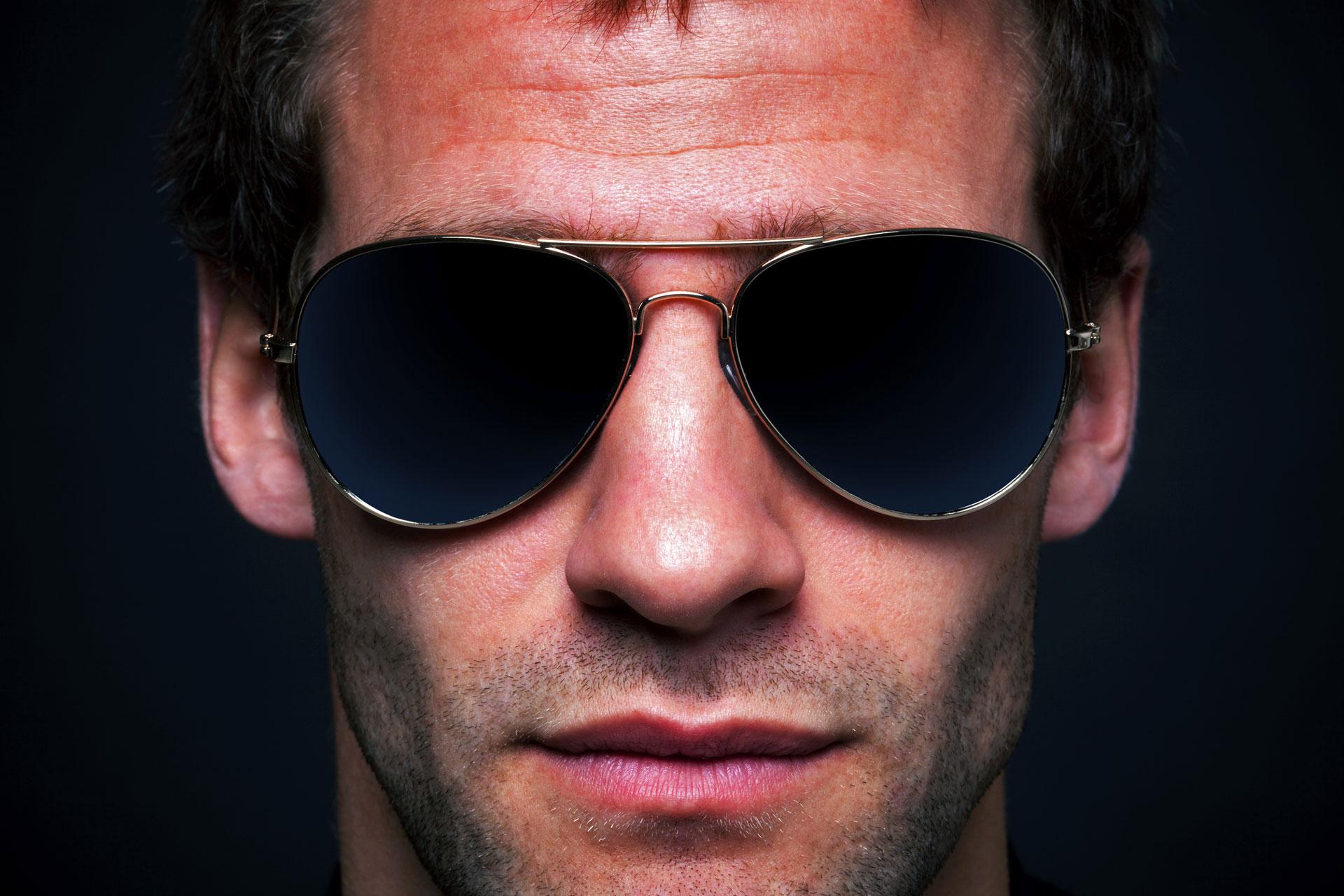 Фото парня в солнечных очках крупным планом 9 фотография