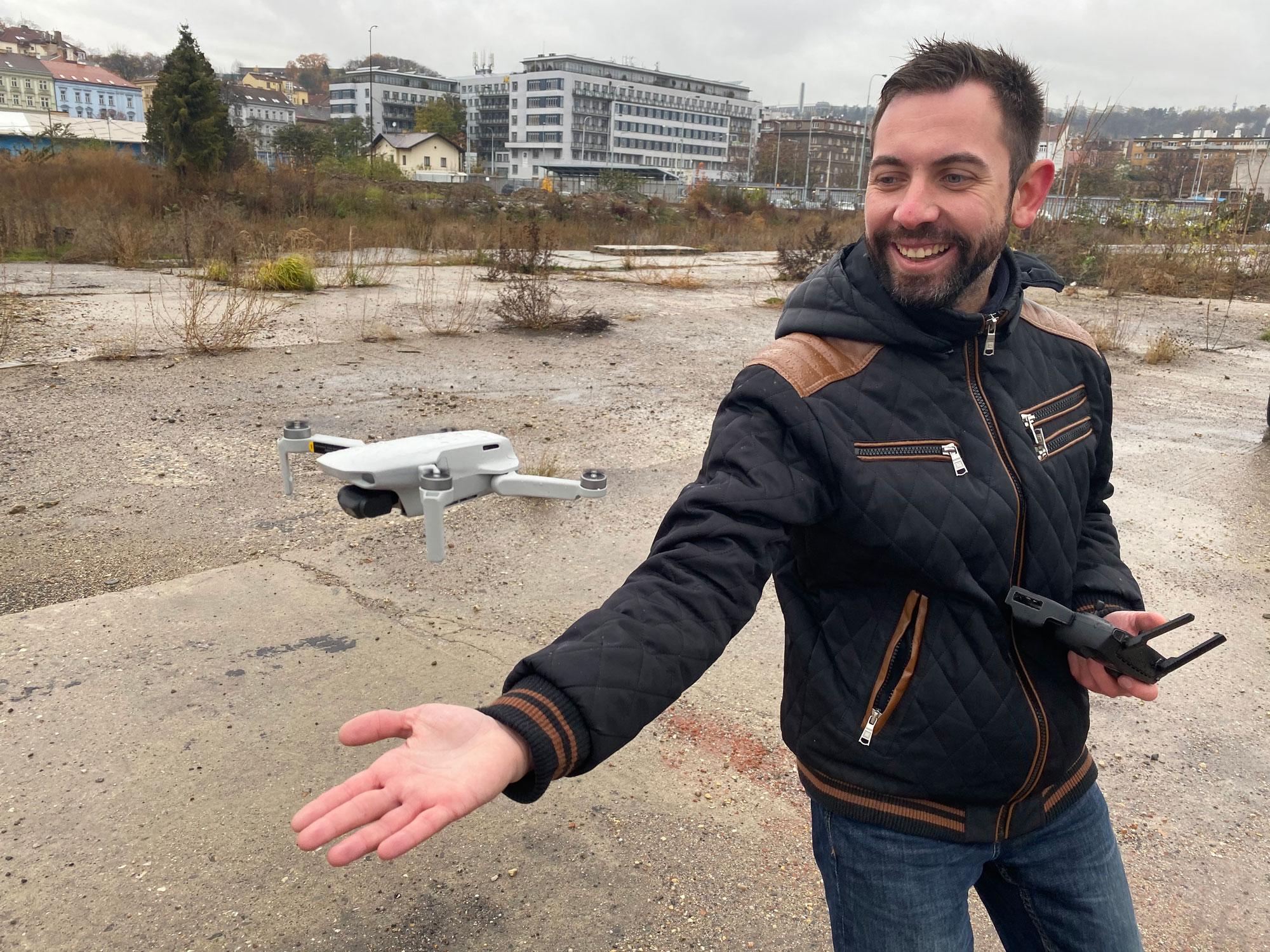 Worshop s drony